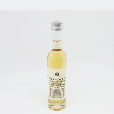 Le Fumoir de St-Cast présente le condiment au vinaigre de Pineau des Charentes et à l'ail des ours des Vinaigre Le fleuriet